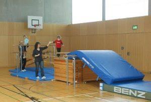 Eltern-Kind-Turnen @ Laurenzer Sporthalle Mitterlängstr. 8 Puchheim-Ort | Puchheim | Bayern | Deutschland