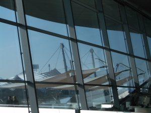 Zwei architektonische Highlights im Münchner Norden – der Olympiapark und die BMW-Welt @ S-Bahnhof Puchheim | Puchheim | Bayern | Deutschland