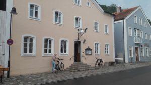 Von der Amper zur Altmühl @ Am Grünen Markt, Puchheim-Bhf. (Maibaum)